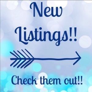 Always adding new items 💙🌈👕👚👢👠